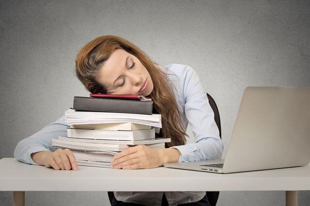 surtravailler télétravail fatigue emploi maison vie sociale professionnelle