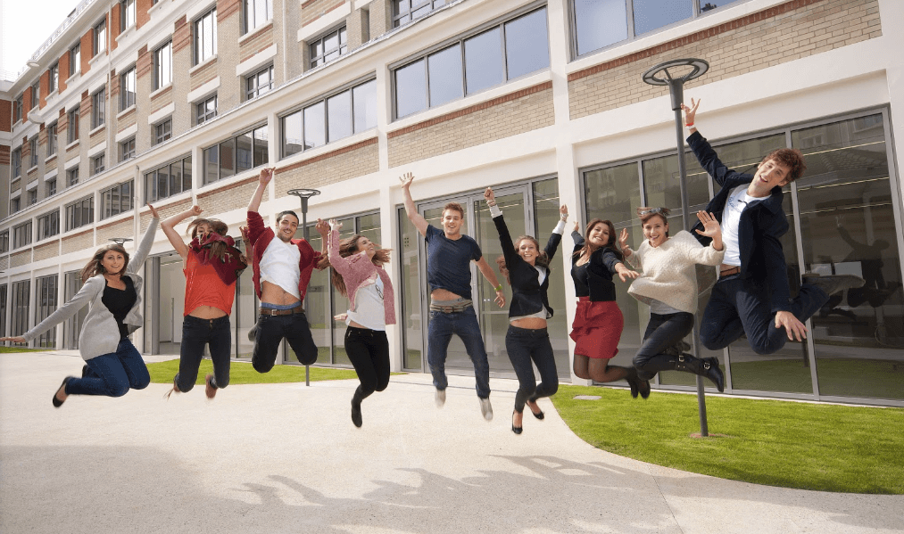 etudiants esce ecole de commerce post bac