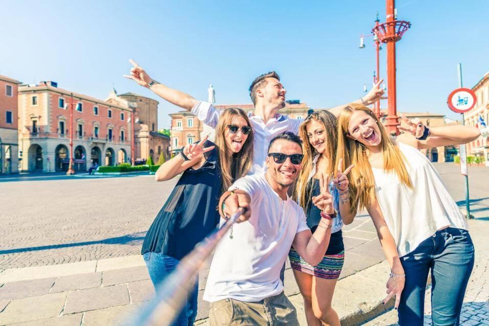 se démarquer langue anglais espagnol allemand école cours concours études marché travail compétition passeport séjour linguistique