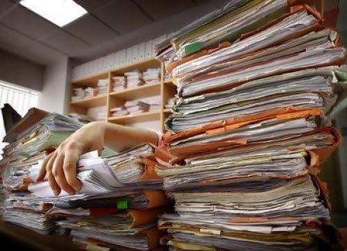 papeles, papeleo, burocracia, cansancio, cansado, cansada, preparado, preparada, prepararse