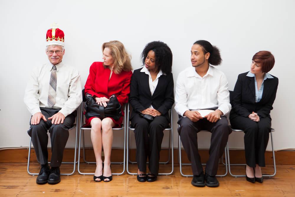 entretien d'embauche, réussir, recrutement, emploi, cdi, stage, cdd, recherche d'emploi, carrière, conseils, astuces, jeune diplômé, style vestimentaire